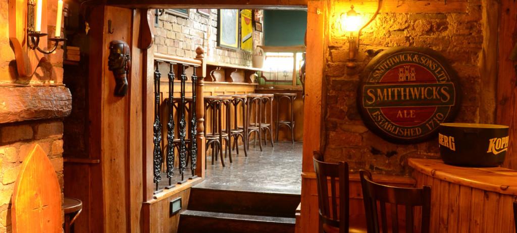 bar-doorway