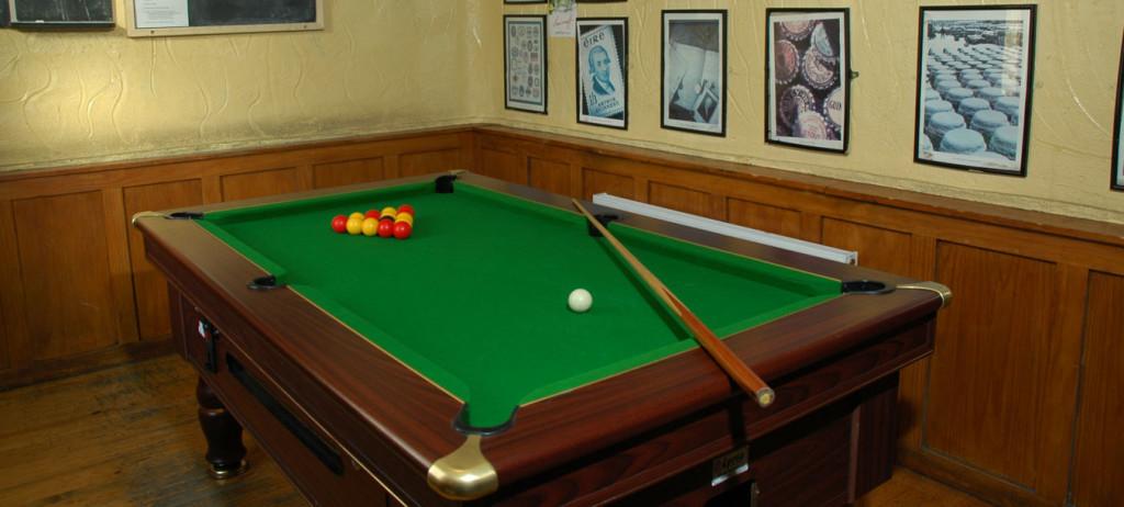 bar-pool-table