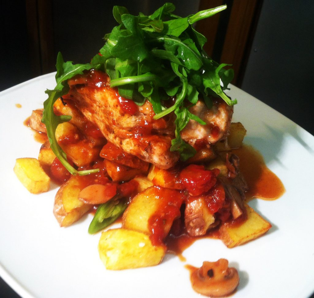 Fast baked chicken with sauteed potatoes and tomato & mushroom sauce (special)